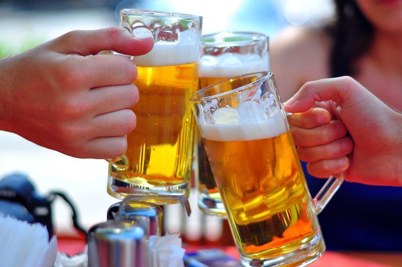 nâng ngực kiêng rượu bia bao lâu