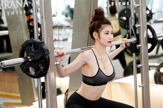 nâng ngực có được tập gym không